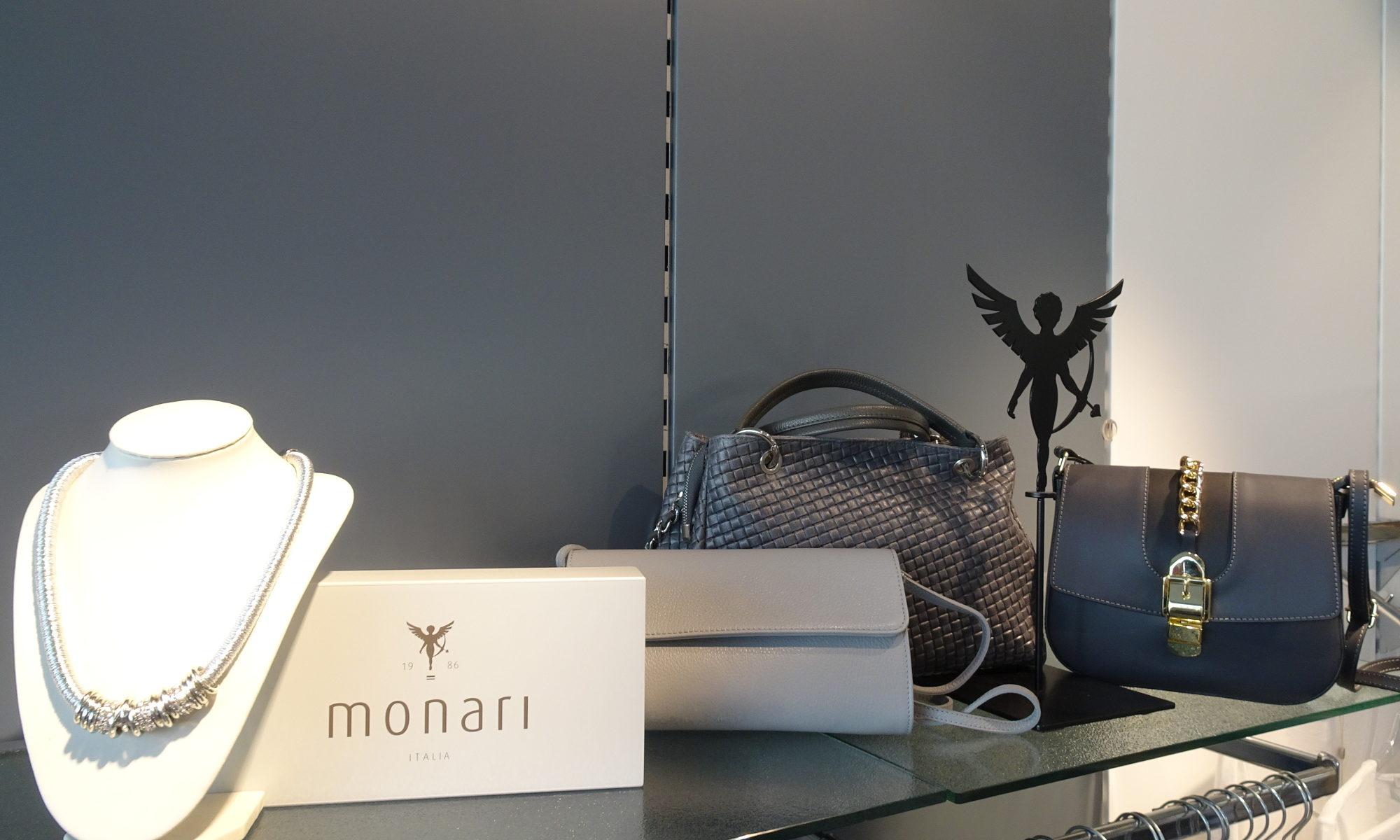 Mode-Accessoires: Handtaschen, Halsketten